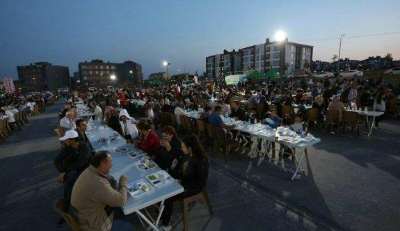 Ihlamurkent'te 6 bin kişi iftarda buluştu