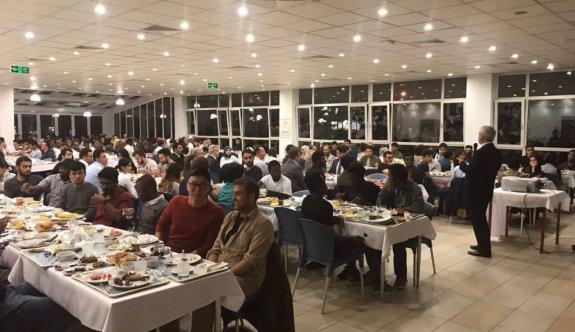 Rektör Gündoğan, uluslararası öğrencilerle iftarda buluştu