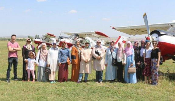 Kazakistan'dan gelen öğrenciler İnönü'yü gezdi