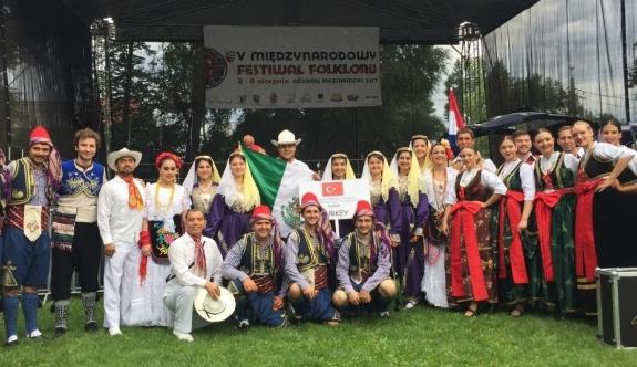 ESOGÜ HAMER Halk Oyunları Ekibi Polonya'da