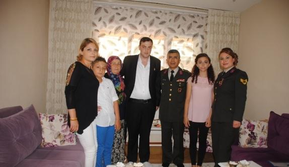 Kolundan yaralanan J. Uzman Çavuş'a Malul Gazi Rozeti teslim edildi