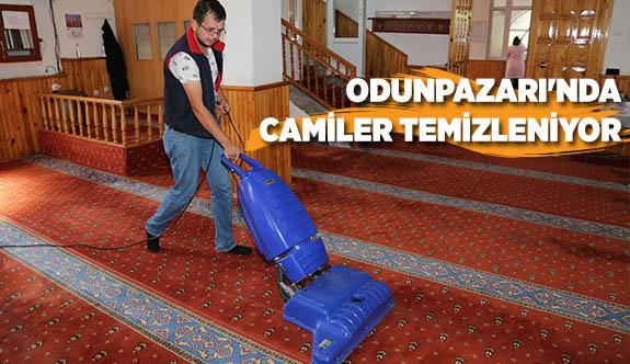 ODUNPAZARI'NDA CAMİLER TEMİZLENİYOR