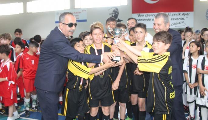 Futsalda kupalar sahiplerini buldu