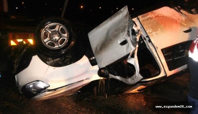 Eskişehir'de otomobil sulama kanalına devrildi: 1 ölü