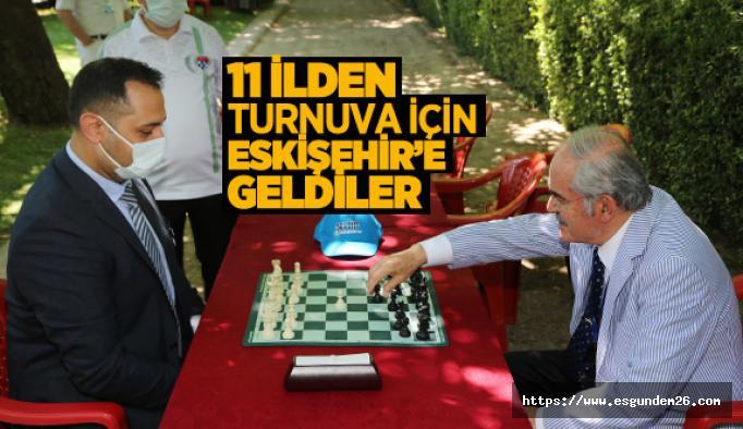 Türkiye'nin dört bir yanından turnuva için Eskişehir'e geldiler