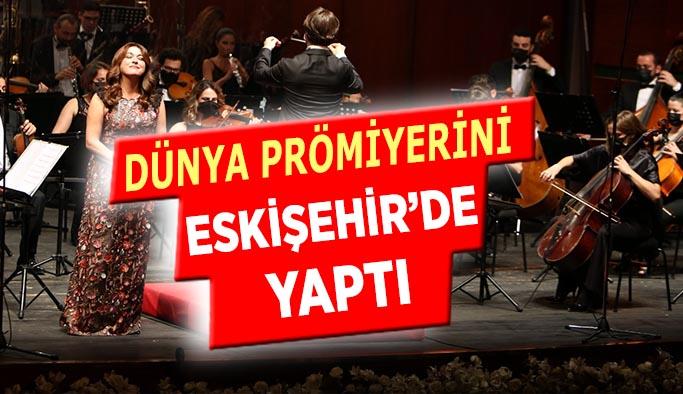 Orkestra Şefi İbrahim Yazıcı ve Solist Selva Erdener sahne aldı