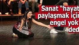 Odunpazarı Belediye Tiyatrosu engelli vatandaşlarla ile beraber sahne aldı