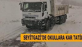 SEYİTGAZİ'DE OKULLARA KAR TATİLİ